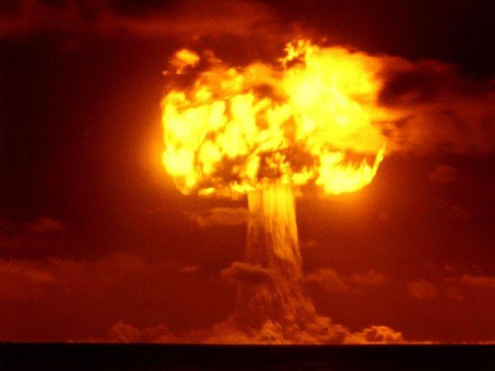 Nuclear Bomb Google Mushroom Fire.jpg
